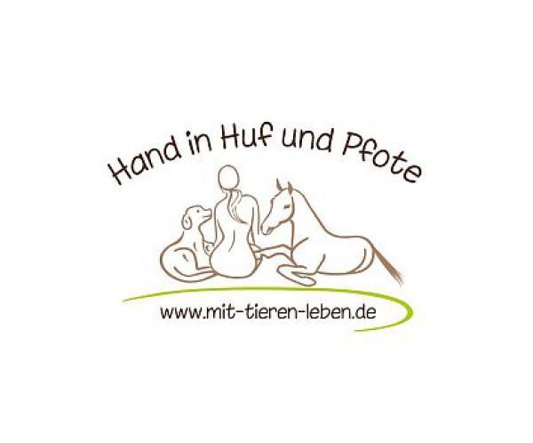 Hand in Huf und Pfote
